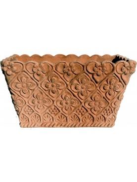 Cassetta in terracotta rettangolare con motivi ornamentali