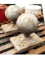 Le sfere Ø25cm in marmo del palazzo della Carovana - Pisa