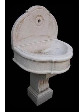 Fontana in pietra calcarea francese