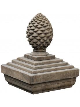 Pigna in pietra H.97cm con basamento