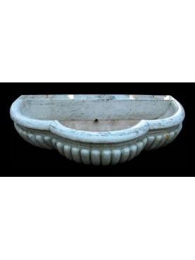Grande vasca trilobata per fontana