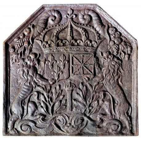 Cast-iron French Fireback with lions