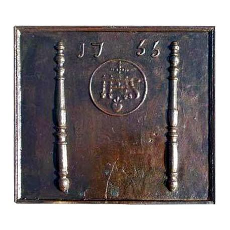 Lastra in ghisa per camino datata 1733 con IHS
