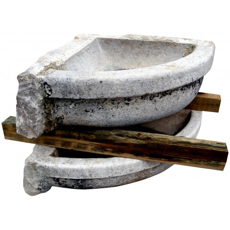 Grande Lavandino angolare in pietra ex lavatoio
