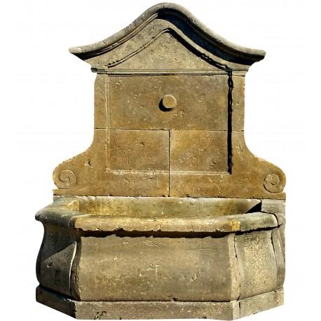 Fontana francese in pietra calcarea