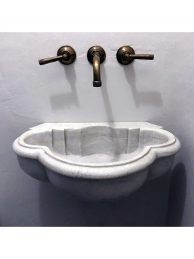 Sink in white marble