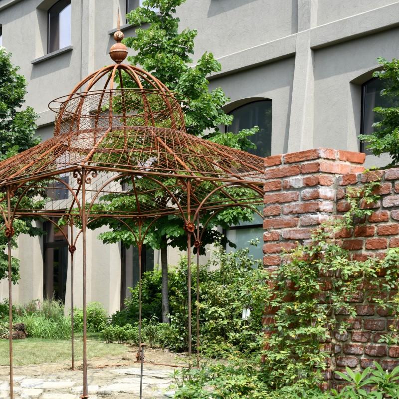 Gazebo in ferro battuto realizzato per la Maison Gucci a Milano ...