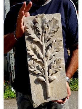 Bassorilievo in pietra - tralcio di quercia con ghiande