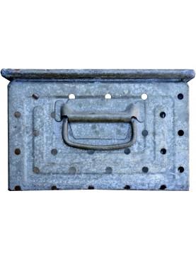 Antica cassetta metallica forata in ZINCO da officina marca SCHAFER