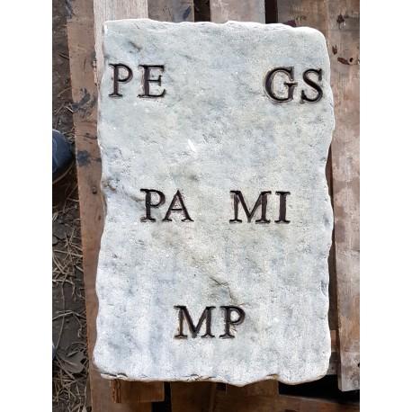 Epigrafe in pietra anticata