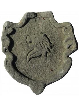 Stemma in pietra testa di leone