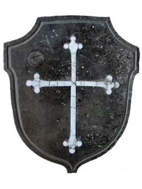 Scudo in arenaria con croce medioevale Pisana