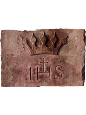IHS con corona in pietra serena