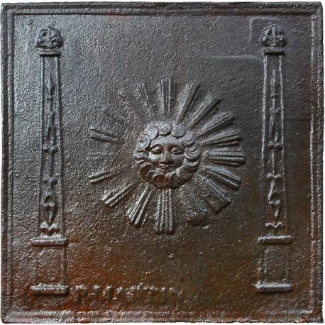 Copia di Lastra di camino settecentesca con Sole