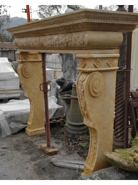 Tuscan fireplace of 16th century style - YELLOW MARBLE