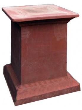 Supporto per statue e vasi in terracotta strigilato