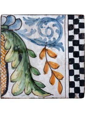 Ancient italian Majolica glazed tile - achantus leaves