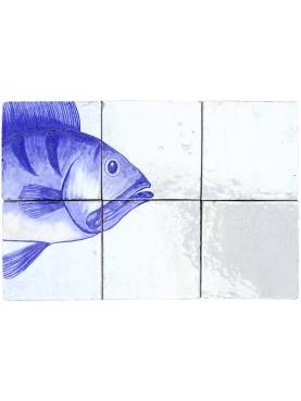 Piccolo pannello maiolicato con pesce