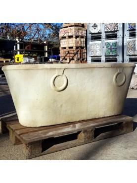 antica vasca in marmo bianco di Carrara