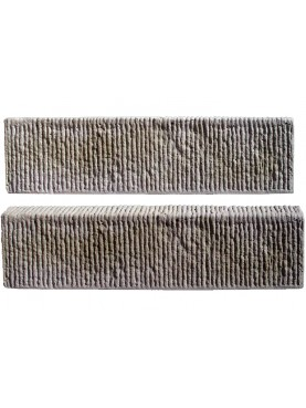Cordolo rettangolare rigato lavorato su tre facce in pietra grigia