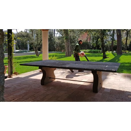 Tavolo in pietra da 310 cm di lunghezza originale antico - due gambe