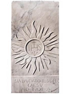IHS in marmo bianco di Carrara