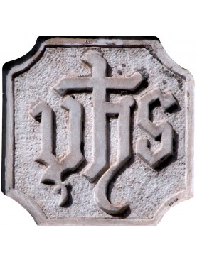 IHS in marmo copia di un originale di Camaiore (LU)