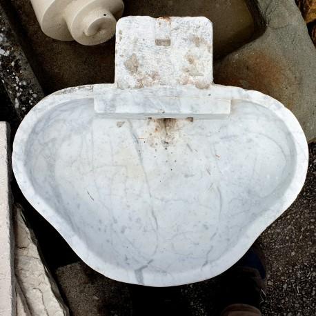 Antique Italian trilobate sink in white Carrara marble