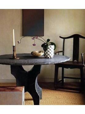Piccolo tavolo in pietra rotondo