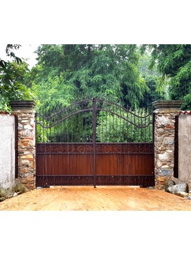 Wrought iron gate 4 m. on a rainy day