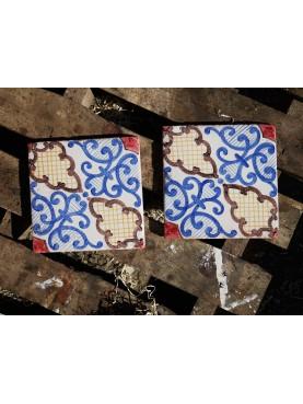 Riproduzione di piastrella antica di maiolica BLU-MANGANESE-GIALLO-ROSSO