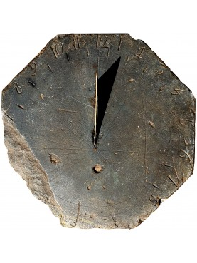 Octagonal sundial in Black slate from Franch