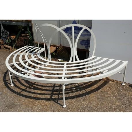 Panchina semicircolare in ferro da albero