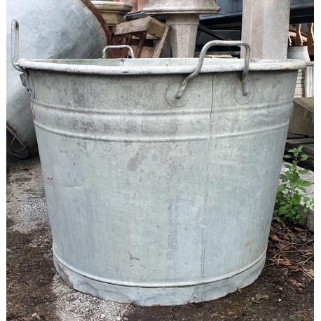 Bagnarole di zinco enormi fuori misura sopra 60 cm di Ø