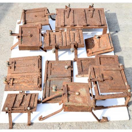 una collezione di sportelli per antiche cucine in muratura - Recuperando