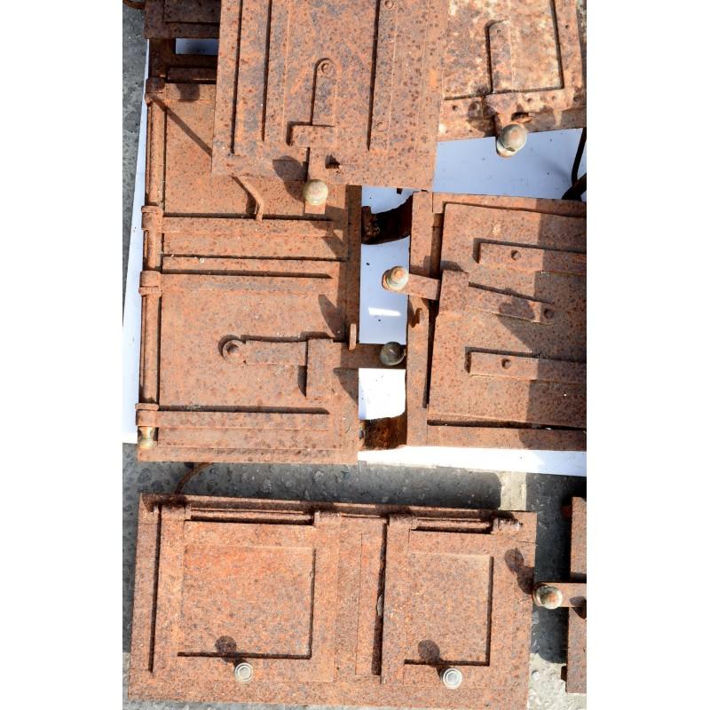 una collezione di sportelli per antiche cucine in muratura ...