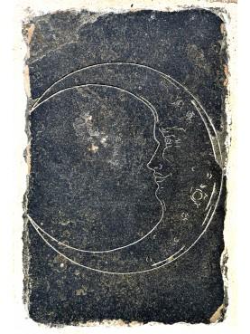 Luna Medievale - scultura graffita SU PIETRA NERA o Ardesia