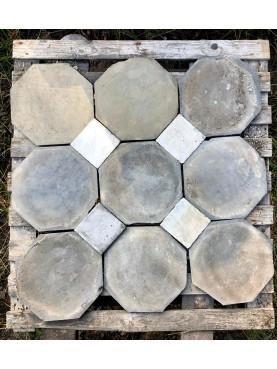 antico pavimento in Ardesia con tozzetto in marmo a piastrelle ottagonali