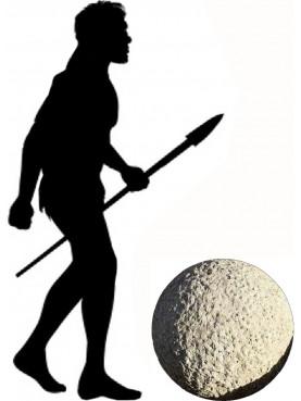 Una grande sfera Ø60cm in pietra serena subbiata