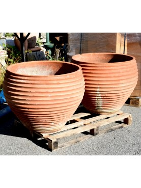Spheroid striped terracotta cachepot