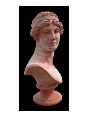 Busto di giovane donna romana