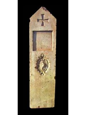 Mattoni con stemma di Pescia (Pistoia)