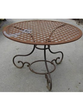 Round iron table Ø120cms