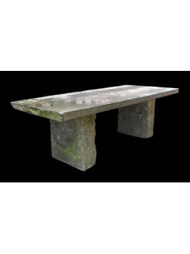 Tavolo da giardino in pietra - Recuperando