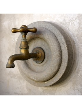 Faucet support in grey tuscan sand-stone