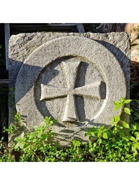 circled stone Templar cross