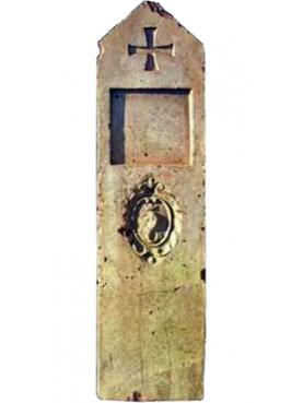 antico Cippo Catastale in terracotta con le insegne di Pescia