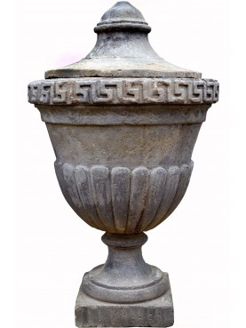 Great neoclassic concrete ornamental Vase H.100cms