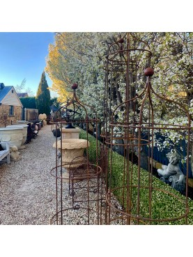 Sostegni Ø 50 per pomodori, rose e rampicanti in filo di ferro @thejardinroom