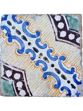 Piastrella di maiolica antica siciliana